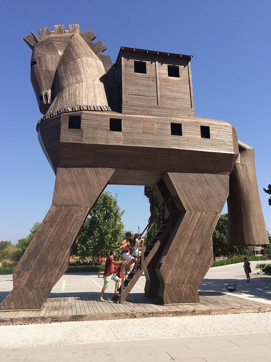 trojan horse sculpture in turkey