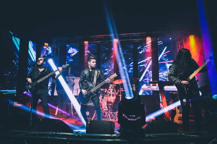 band-performing-on-stage