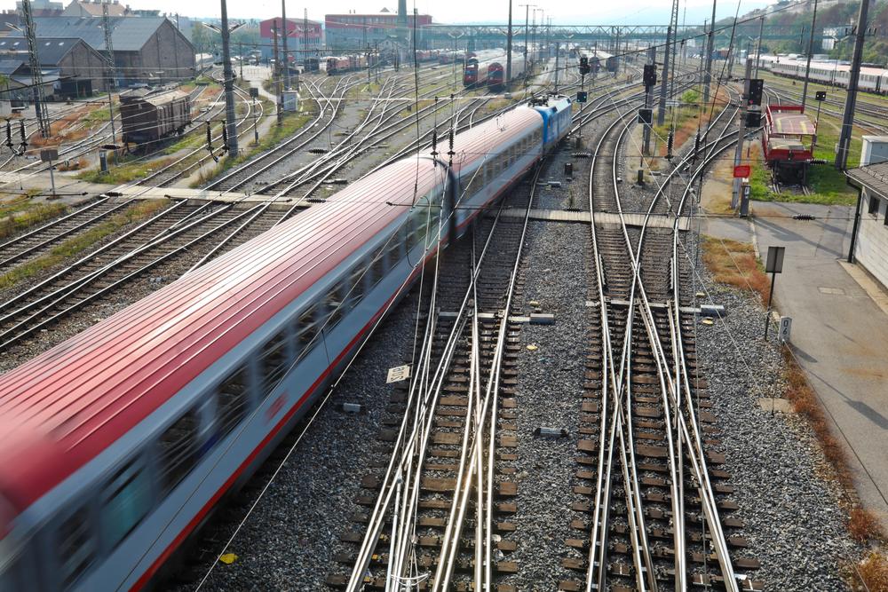 train change track netflix