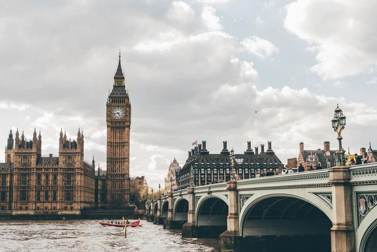 london skyline at parliament